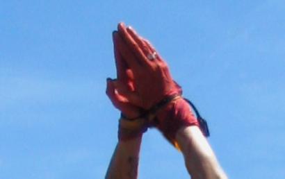 Gebundene Hände