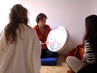 Trommelrunde in der schamanischen Ausbildung