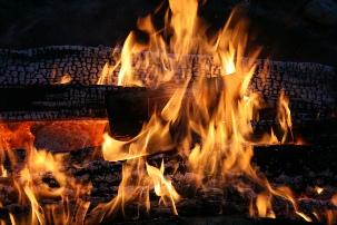 Feuer der Schwitzhütte - Erlebbar auf den Praxistagen